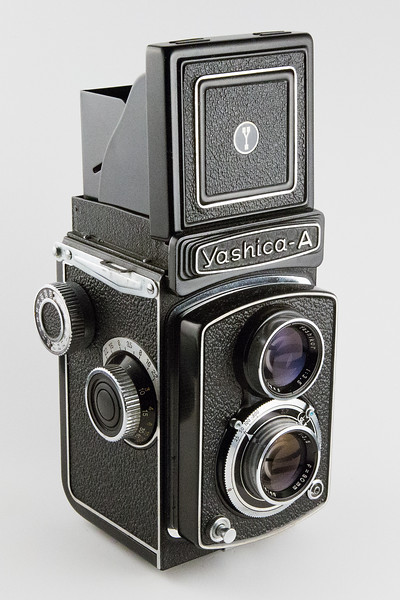 Yashica A - 120 Film (1959 - 1969)