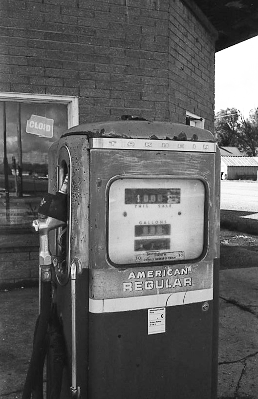 Canon Canonet G-III QL17 (1972) - Gas Station, Freedom, WY