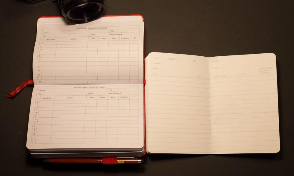 Galaxy Photographer's Planner & Handbook Vs PhotoMemo Photographer's Memo Book