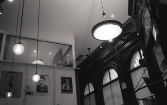 Grimaldi's Pizza - Brooklyn, NY (Olympus XA - Kodak Tri-X 400)