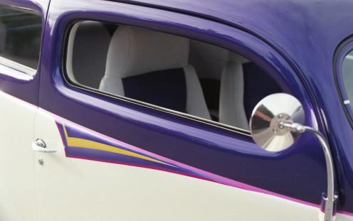Purple & White Coupe - Camera: Minolta XG7 (1977). Film: Agfa Vista 200