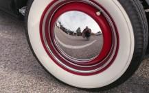 Hubcap Selfie - Camera: Minolta XG7 (1977). Film: Agfa Vista 200