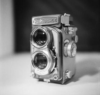 Yashica-44